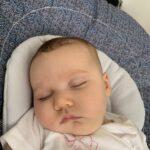 Abril con 2 meses de vida, durmiendo